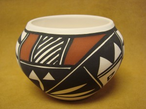 Native American Acoma Indian Pottery Hand Painted Pot by N. Victorino