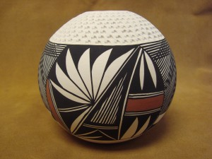 Native American Acoma Indian Pottery Hand Painted Etched Seed Pot by B. Garcia